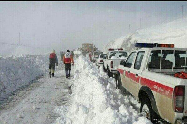 امدادرسانی به 265 گرفتار در برف و کولاک در همدان