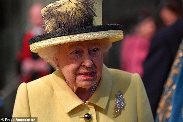 ملکه انگلیس از سیاستمداران کشورش ابراز نارضایتی کرد