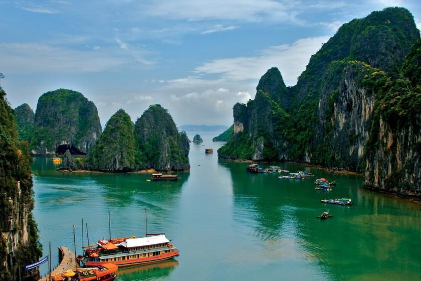 بهترین زمان سفر به ویتنام؛ کشور قله های بلند و جزایر سرسبز