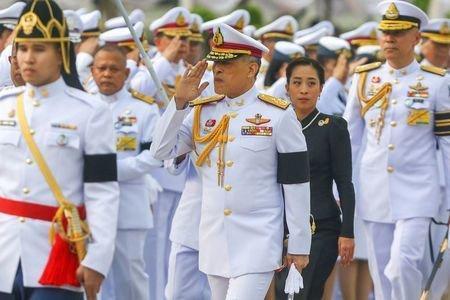 پادشاه تایلند قانون اساسی را امضا کرد