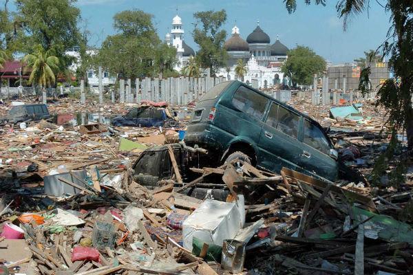 تلفات زلزله اندونزی به 131 نفر افزایش یافت، 1477 نفر زخمی شدند