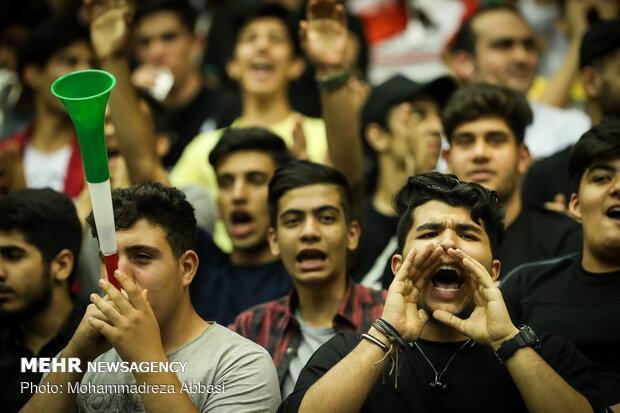 استقبال بیشتر تماشاگران از بازی تیم ملی ایران و استرالیا