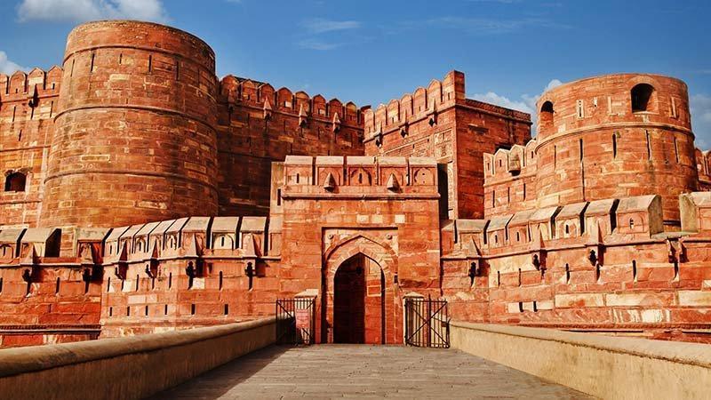 لمس تاریخ مغول در قلعه آگرا