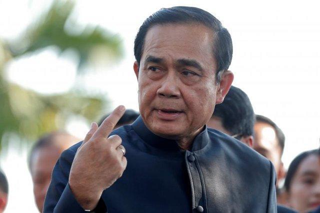 خونتای تایلند ممنوعیت فعالیت سیاسی احزاب را لغو می نماید