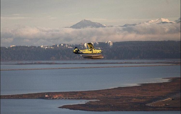 پرواز هواپیمای دریایی برقی در کانادا