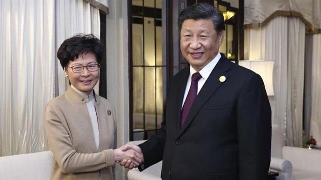 کری لام هنگ کنگ را به قصد پکن ترک کرد