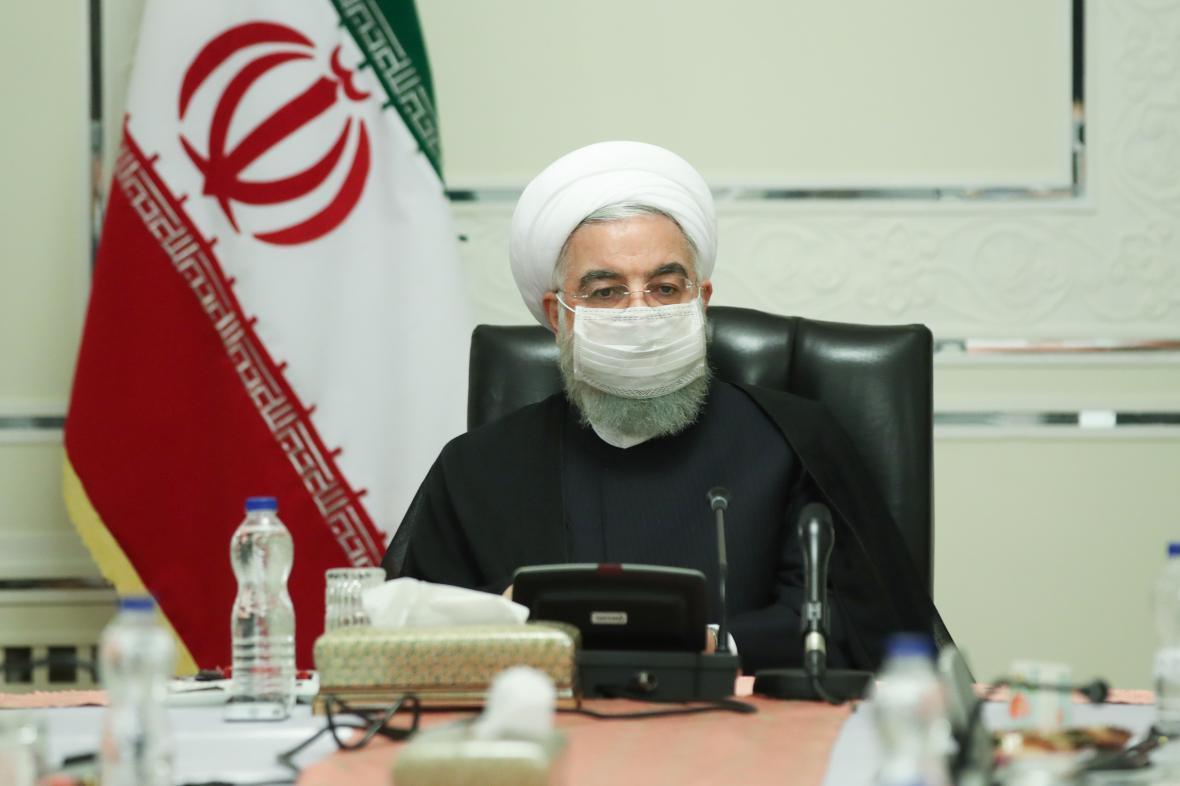 روحانی: اجرای دقیق سیاستهای اتخاذ شده برای بازگشایی مدارس، سلامت دانش آموزان را تضمین می نماید