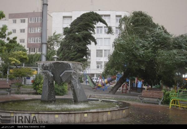 خبرنگاران سرپرست مدیریت بحران استانداری کرمانشاه نسبت به وزش باد شدید هشدار داد