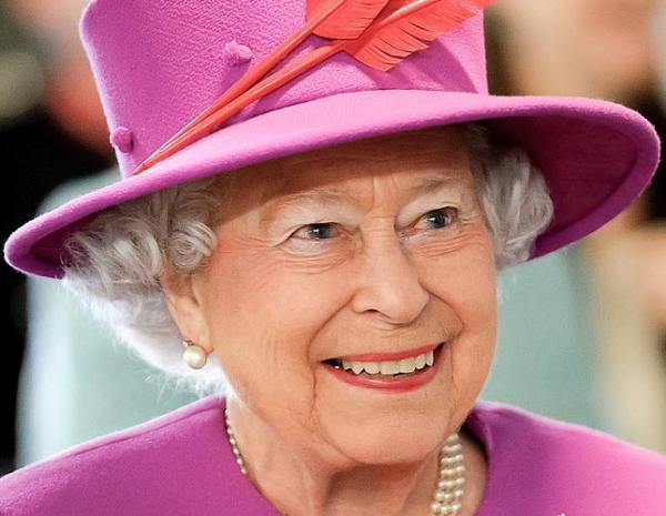 گالری عکس: ملکه انگلیس حالا دیگر با سیزدهمین رئیس جمهور آمریکا هم در دوران زندگی خود دیدار نموده! آیا او چهاردهمین رئیس جمهور آمریکا را هم خواهد دید؟