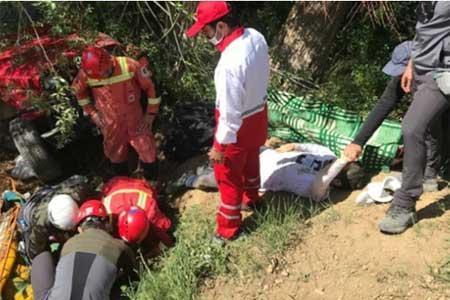 سقوط 10 متری خودروی آفرود در جاده وردیج ، آخر هفته تلخ برای 7 جوان تهرانی
